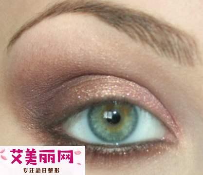 外双眼皮怎么化妆好看 双眼皮眼线画法步骤