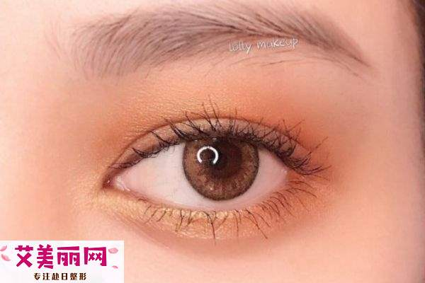 双眼皮怎么画眼影好看 双眼皮画眼影教程