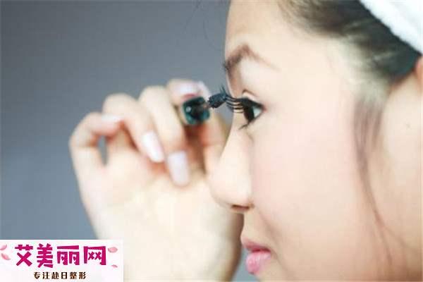 双眼皮手术风险大吗 双眼皮手术属于常见手术