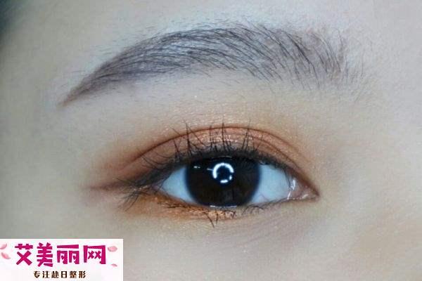先画眼影还是先贴双眼皮贴 双眼皮贴怎么涂眼影